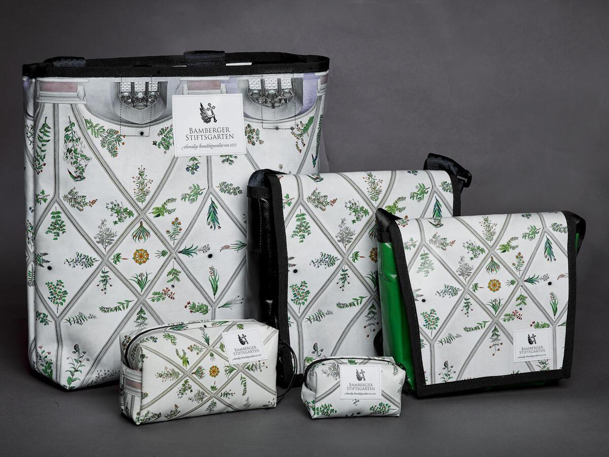 Himmelsgartenserie Taschen